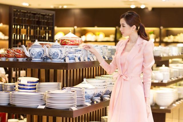 Hoa hậu Đặng Thu Thảo: Tôi là người phụ nữ cầu toàn - Ảnh 2.