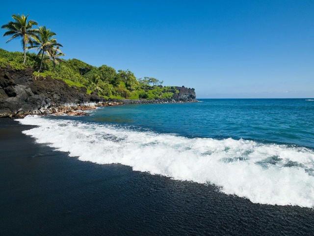 10 bãi biển đẹp nhất thế giới chờ bạn đến tắm - Ảnh 8.