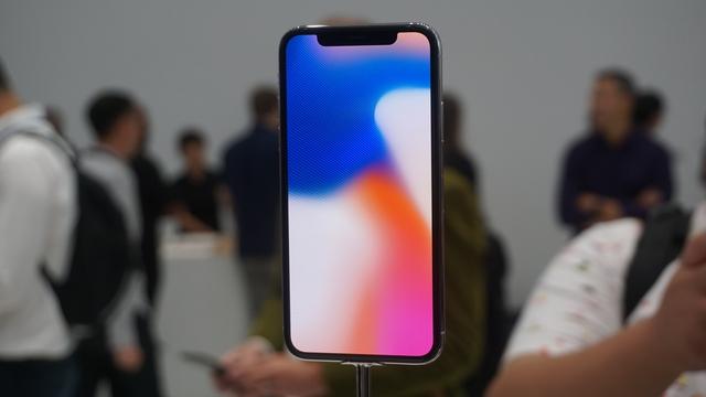 Nhà đồng sáng lập Apple Steve Wozniak sẽ không mua ngay iPhone X - Ảnh 2.