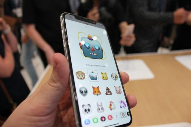 Lô iPhone X xuất xưởng đợt đầu chỉ có 46.500 chiếc - Ảnh 1.