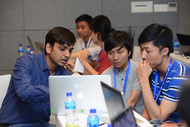 Hơn 100 lập trình viên tham gia Việt Nam Mobile Hackathon của Google - Ảnh 1.
