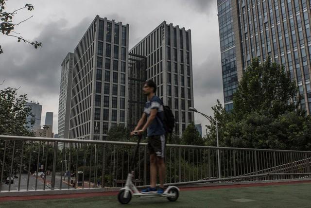 LinkedIn gặp khó với các quy định mới tại Trung Quốc - Ảnh 1.