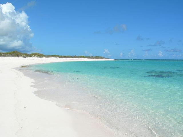 10 bãi biển đẹp nhất thế giới chờ bạn đến tắm - Ảnh 10.
