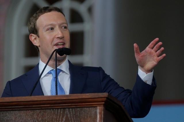 Ông chủ Facebook thanh minh sau chỉ trích của ông Trump - Ảnh 1.
