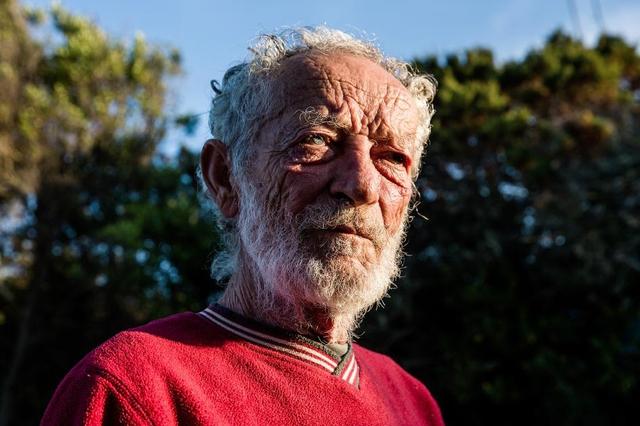 Robinson hiện đại 28 năm sống cô độc trên đảo hoang vắng - Ảnh 2.