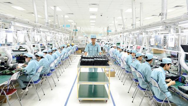 Vietnam Report: Viettel đứng đầu các doanh nghiệp có lợi nhuận tốt nhất 2017 - Ảnh 2.
