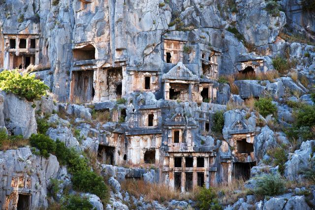 Đến Thổ Nhĩ Kỳ khám phá mộ cổ Myra Tomb - Ảnh 2.