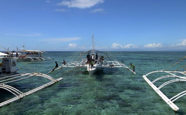 Bay đến Philippines tận hưởng biển xanh cát trắng ở Cebu - Ảnh 1.