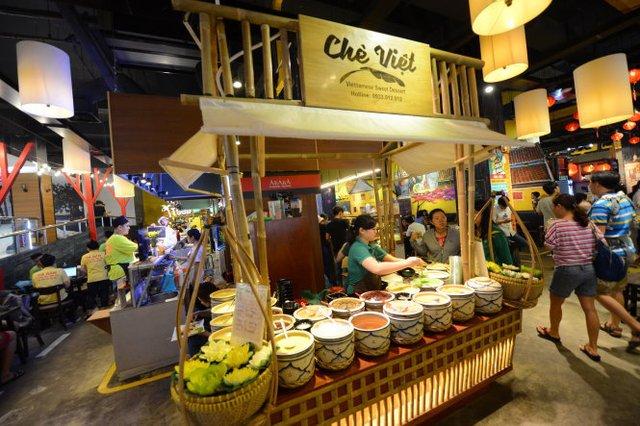 Khám phá ẩm thực cả thế giới dưới lòng Sài Gòn - Ảnh 2.