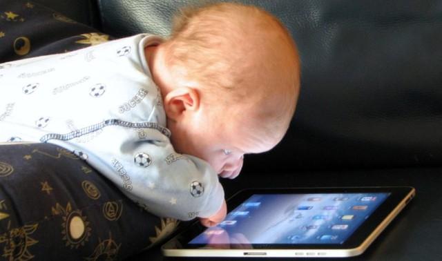 Bốn lời khuyên khi dùng Internet cho cha mẹ có con nhỏ