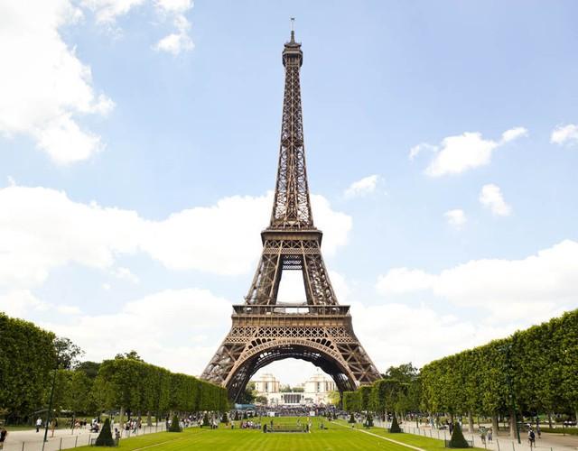 Ai lên Google hỏi Tháp Eiffel có phải ở Italy không? - Ảnh 1.