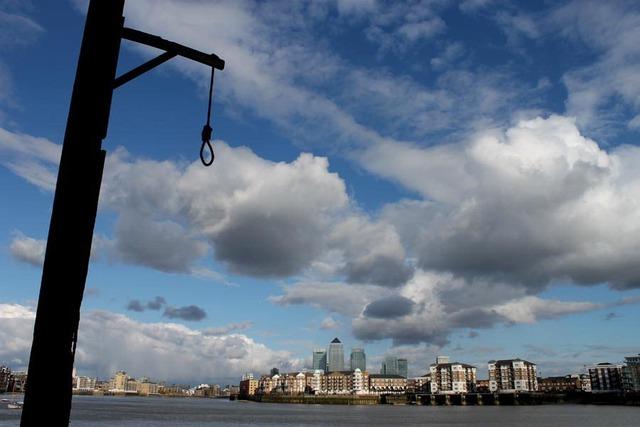 'Bến treo cổ' bên bờ sông Thames - Ảnh 1.