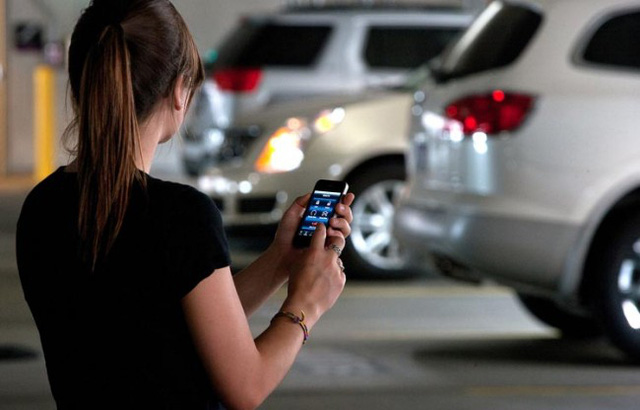 Sắp có ứng dụng báo cáo tình trạng hư hỏng của xe hơi - Ảnh 2.