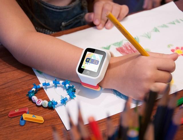 Đức cấm đồng hồ thông minh cho trẻ em - Ảnh 1.