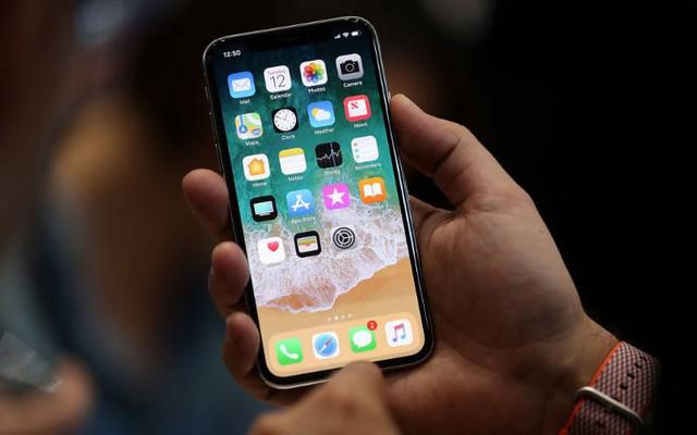 Nhà sản xuất iPhone X bị cáo buộc ép học sinh làm việc 11 giờ/ngày - Ảnh 2.