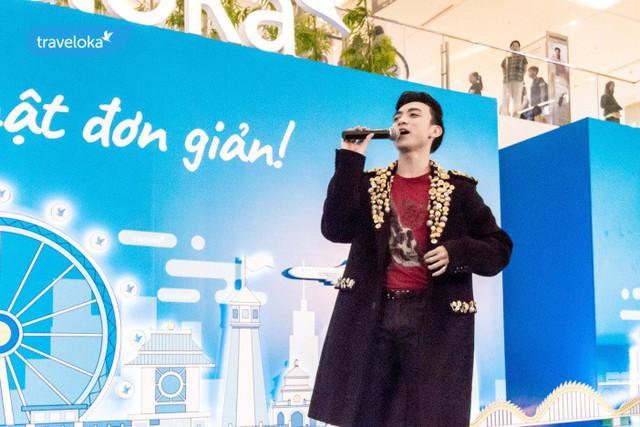 Soobin Hoàng Sơn hát hết mình tại sự kiện du lịch Traveloka - Ảnh 1.