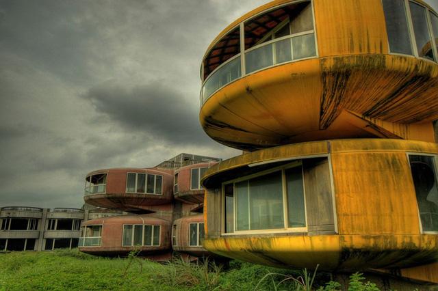 Những nơi bỏ hoang có vẻ đẹp ma mị trên thế gian (Phần 2) - Ảnh 4.