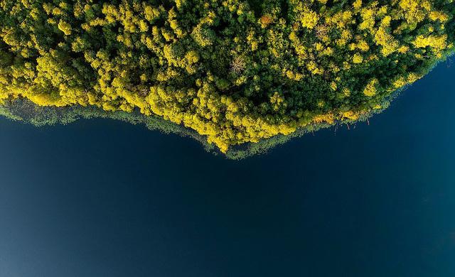 Ngắm vẻ đẹp như tranh vẽ của Litva từ flycam - Ảnh 5.