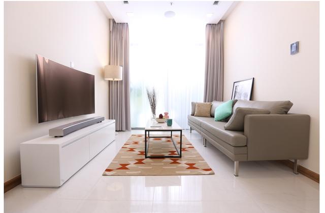 Lột xác phòng khách bằng 1 thao tác với TV Samsung - Ảnh 1.