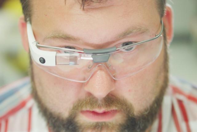 Kính thông minh Google Glass tái xuất thị trường - Ảnh 1.