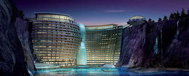 Khách sạn khổng lồ xây dưới mỏ khai thác đá bỏ hoang - Ảnh 2.