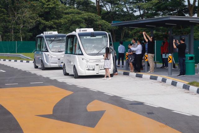 Năm 2022 Singapore đưa xe bus không người lái vào sử dụng - Ảnh 1.