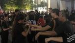 Nhiều người Việt trong dãy dài người mua iPhone X ở Singapore