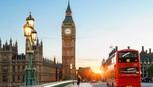 London bớt đắt đỏ, du khách đổ xô đi mua sắm