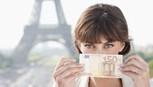Lúc đang nợ nần có nên đi chơi?