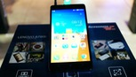 Lenovo ra mắt A7000, Asus giới thiệu Zenfone 2