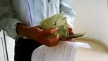 Bắt quả tang một chánh án nhận hối lộ tại phòng làm việc