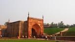 Từ pháo đài thương nhớ Agra nhìn về Taj Mahal