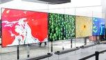 LG gây bất ngờ với TV Signature OLED W tại CES 2017