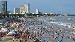 Tết Đinh Dậu, nửa triệu kháchđổ về Vũng Tàu tắm biển