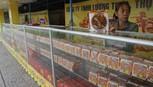Bánh trung thu xuống phố Sài Gòn, giá tăng nhẹ