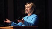 Bà Clinton bị tố phạm luật vì dùng email cá nhân