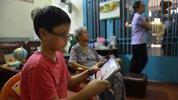 Coi smartphone nhiều, trẻ dễ bị chứng TIC