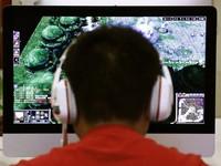 Nam sinh Trung Quốc chặt tay để cai nghiện internet
