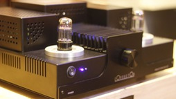 "Conductor Audio giới thiệu amply ""lai"" HPA94-25"