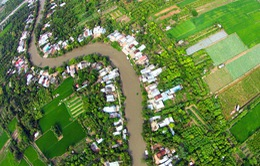 Bay trên những dòng sông Việt