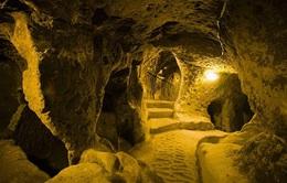 Thám hiểm thành phố cổ dưới lòng đất từng là nơi ẩn náu của 20.000 người
