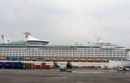 """Tàu du lịch """"5 sao"""" đưa 3.000 khách đến Việt Nam"""