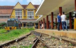 Mở tour giá rẻ bằng đường sắt