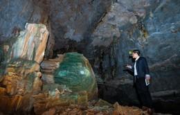 Những hình ảnh đầu tiên trong hai hang động mới ở Bái Tử Long