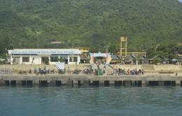 Đưa 1.000 khách mắc kẹt ở Cù Lao Chàm vào đất liền