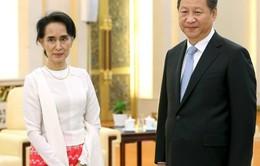 Bà Suu Kyi chơi bài gì ở Trung Quốc?