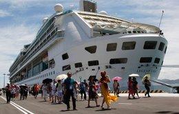 Tàu du lịch quốc tế đầu tiên cập cảng Cam Ranh cùng 1.800 khách
