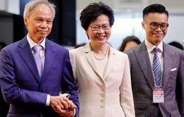 Không có tuần trăng mật cho lãnh đạo mới của Hong Kong