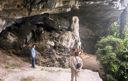 Xây dựng di tích hang Lèn Hàthành điểm du lịch
