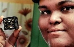 Chàng trai Ấn Độ làm được vệ tinh nhẹ nhất thế giới